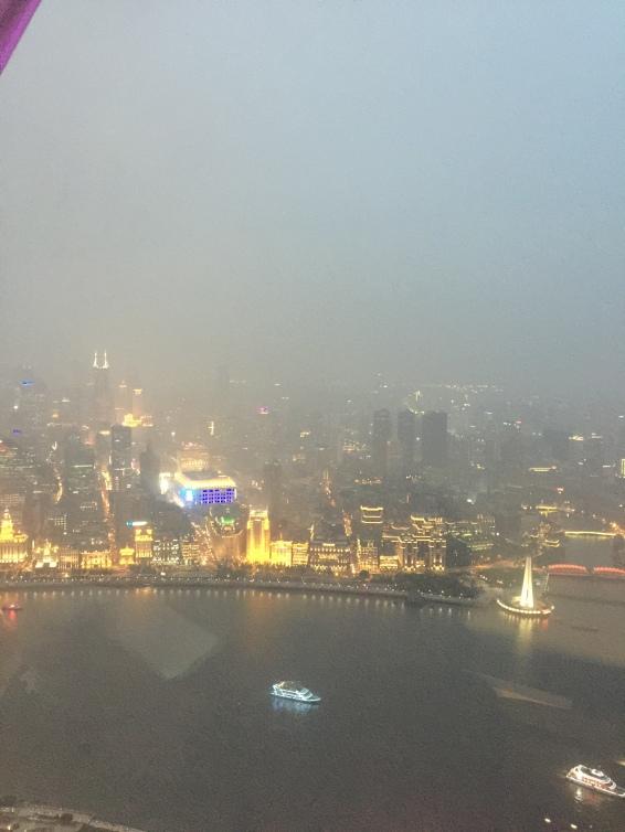 Pemandangan dari Oriental Pearl Tower